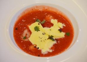 完熟イチゴのスープ仕立て