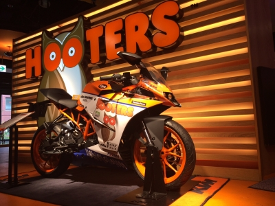 TEAM HOOTERS KTM with 斉藤祥太 (1)