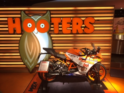 TEAM HOOTERS KTM with 斉藤祥太 (3)
