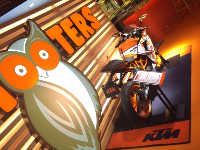 TEAM HOOTERS KTM with 斉藤祥太 (2)