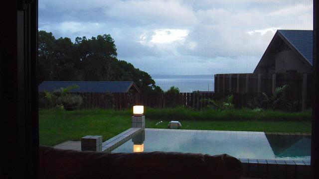 プールと景色