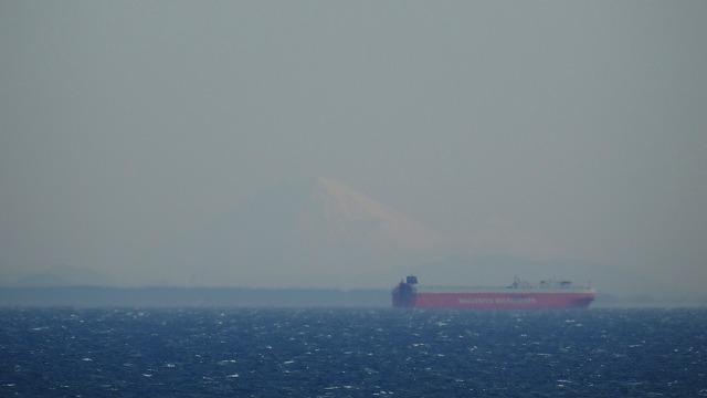 船と富士山