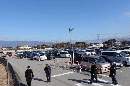 トヨタ新車フェスタ 駐車場
