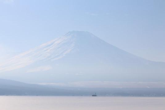 山中湖アイスキャンドル 富士山 昼
