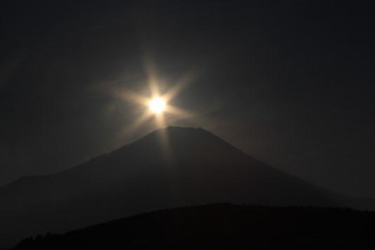 山中湖アイスキャンドル ダイヤモンド富士 近づく