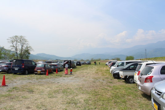 凧上げ祭り 駐車場