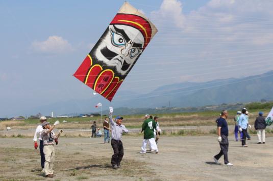 凧上げ祭り コンテスト だるま
