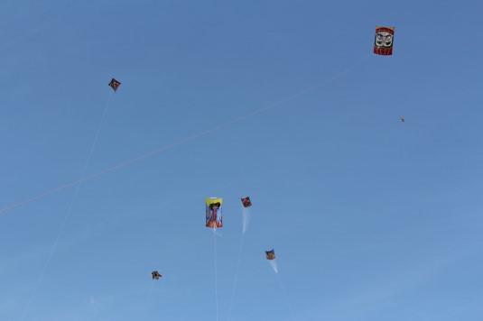 凧上げ祭り コンテスト 凧上げ上空