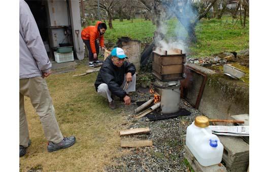 餅米を蒸作業