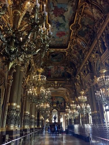 オペラ廊下