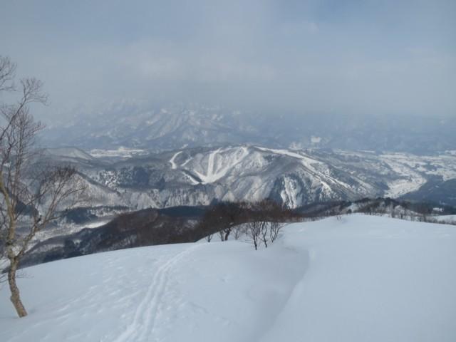 2月11日 向かいの岩岳