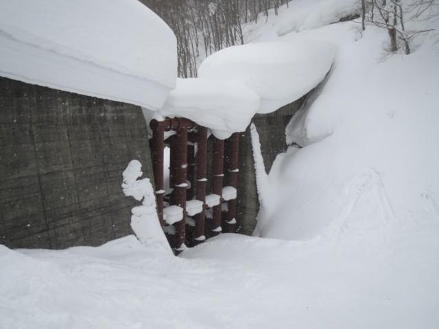 2月14日 黒川沢鋼製フレーム構造堰堤