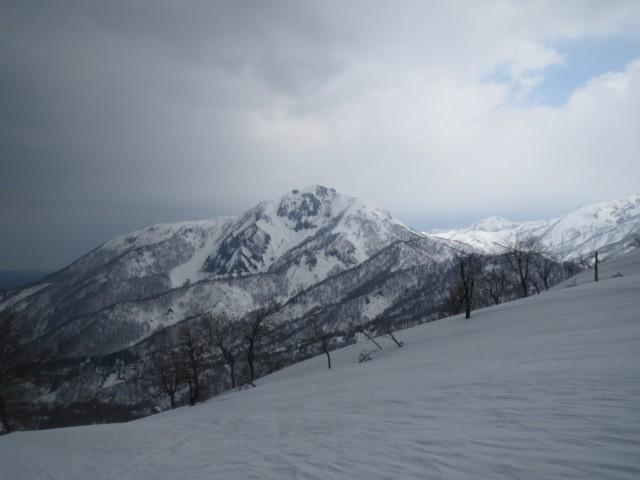 3月29日 ピークから雨飾山
