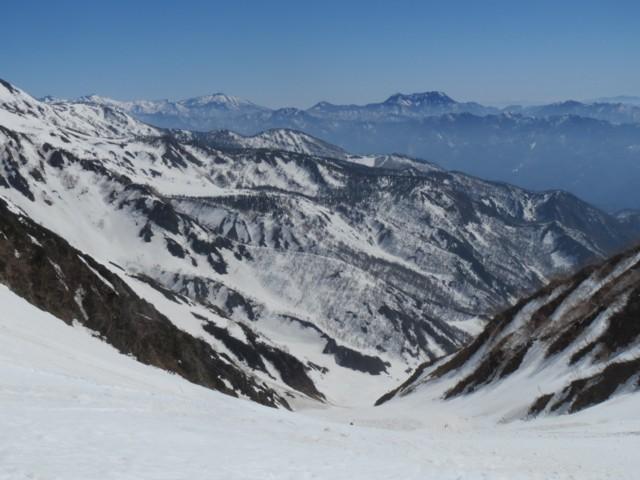 4月26日 大雪渓から妙高山