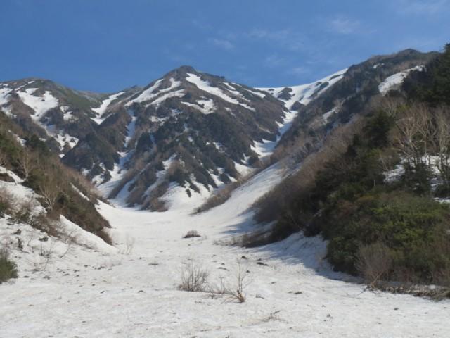 5月17日 下部はさすがに雪汚れてた