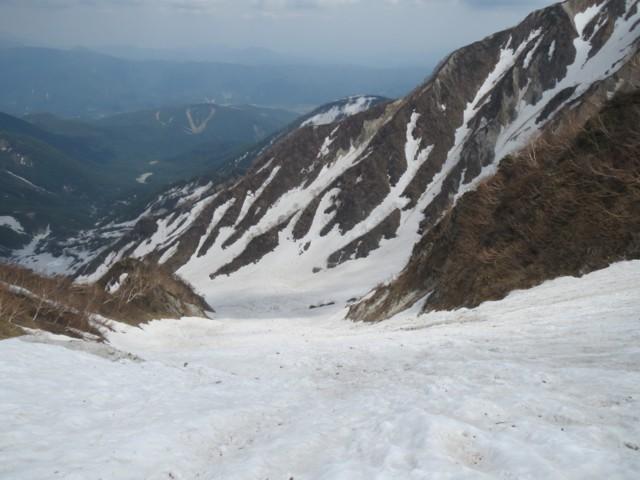 5月24日 2号雪渓下部はボコ