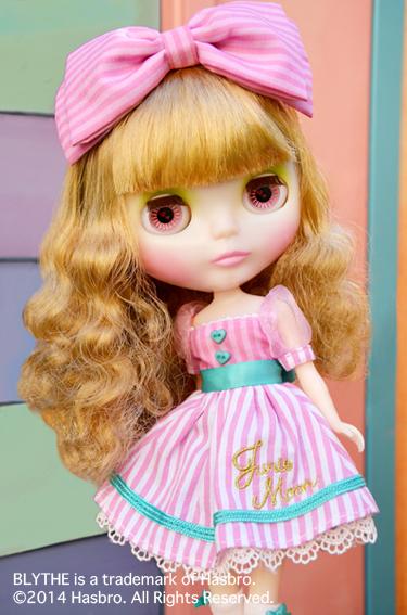 Junie Moonie Cutie img02 Credit