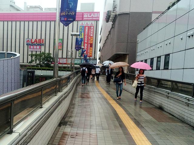 雨のJR大井町駅周辺 by占いとか魔術とか所蔵画像