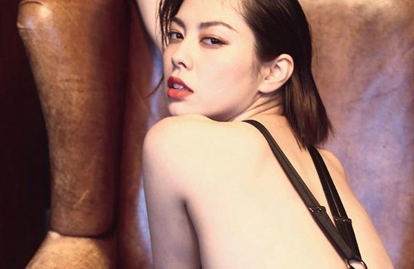 【卯水咲流】全裸美乳おっぱいヌードエロ画像動画