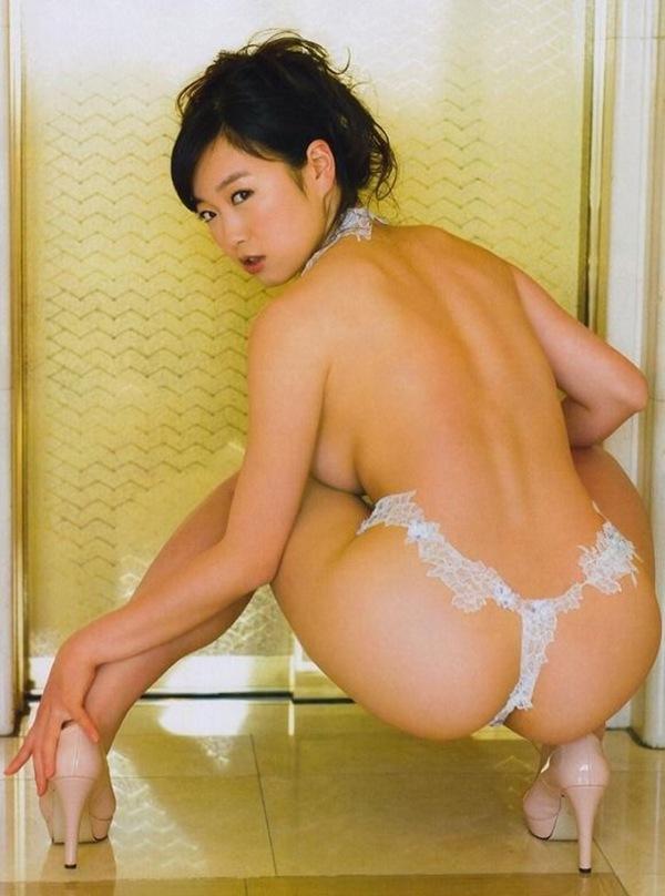 【佐々木心音】芸能界一エロボデイ!全裸ヌードで巨乳おっぱい