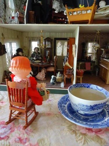 dollhouse-cafe-greenpeasehouse2.jpg
