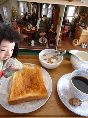 muriyarino-dollhouse-cafe2.jpg