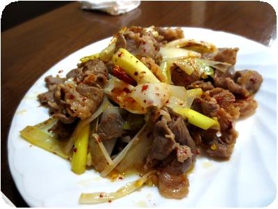 羊肉とネギの炒め物