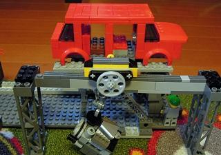 LEGO自動車工場8