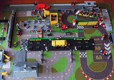 LEGO自動車工場1