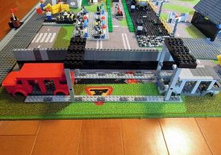 LEGO自動車工場4