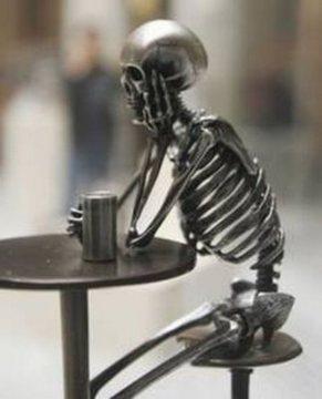 skeleton-drinking-beer-coffee-art-sculpture-skull-starbucks.jpg