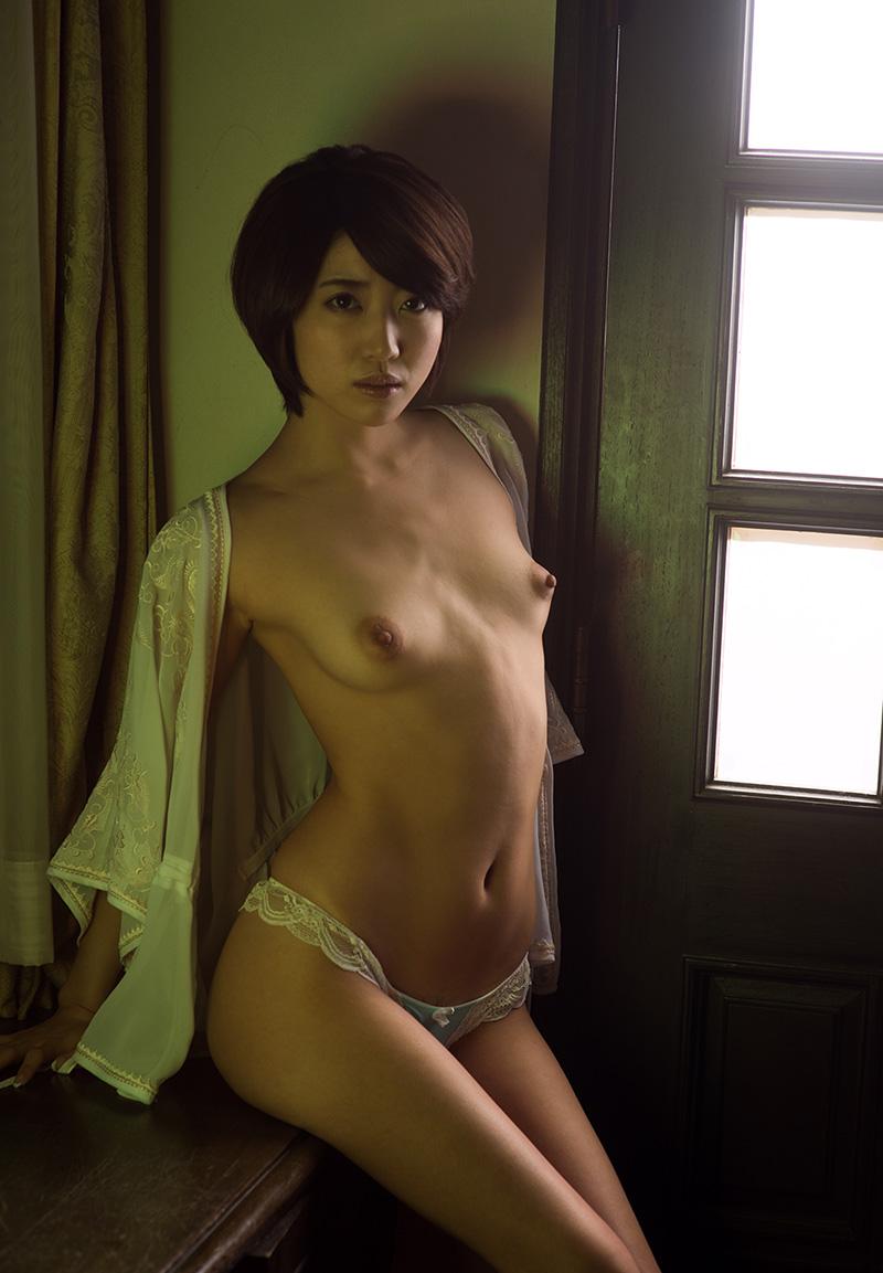 【No.19364】 綺麗なお姉さん / 優希まこと