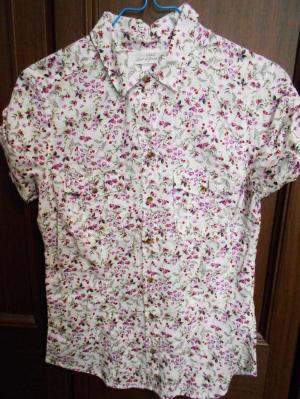 エイチアンドエムのシャツ