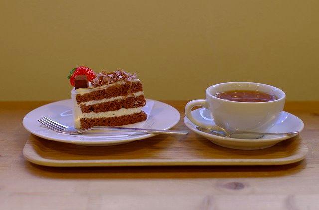 粉と卵と・・・魔法使いでチョコレートケーキ
