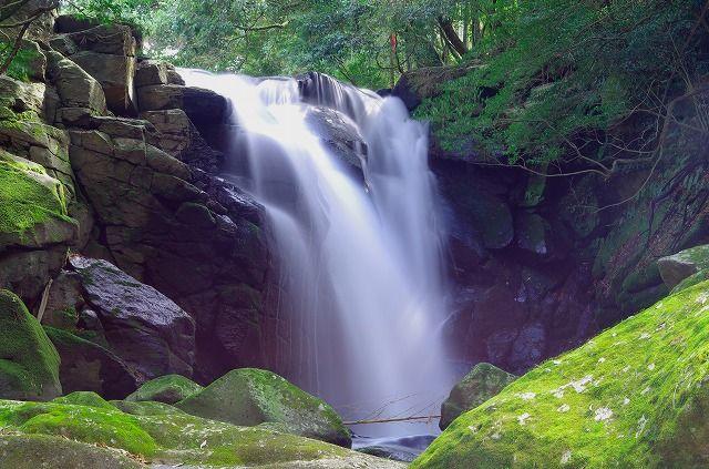 縁結びの滝 夫婦滝
