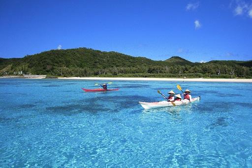 Sea_kayaking_Zamami_Okinawa.jpg