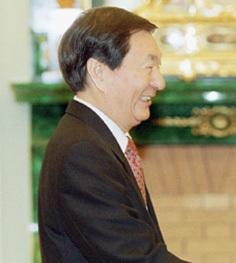 Zhu_Rongji_2001.jpg