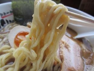 おぎかわ山ノ下 魚豚Wスープ 麺