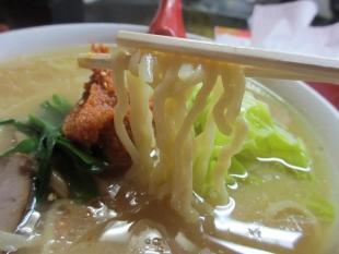 龍上海山形店 赤湯辛味噌ラーメン 麺