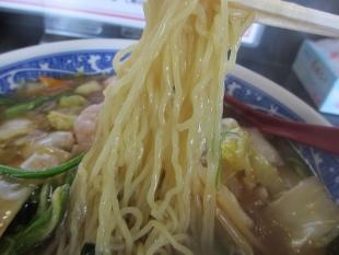 永楽松崎店 五目ラーメン 麺