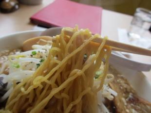 うんと モヤシチャーシュー麺 麺