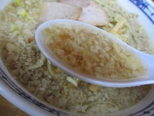 関屋福来亭 ラーメン大油 スープ