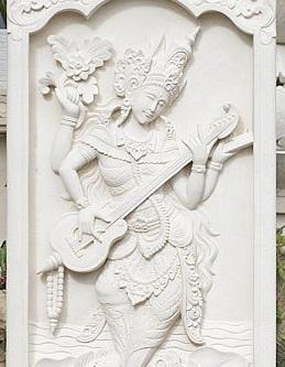 女神サラスワティ 彫刻