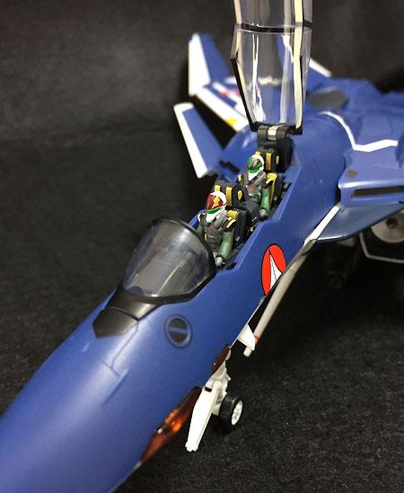 マクロスゼロ 1/60 完全変形VF-0D フェニックス 工藤シン 搭乗機 (塗装済み完成品)