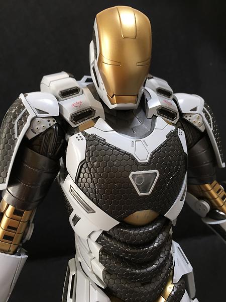 【ムービー・マスターピース】 『アイアンマン3』 1/6スケールフィギュア アイアンマン・マーク39 (スターブースト)