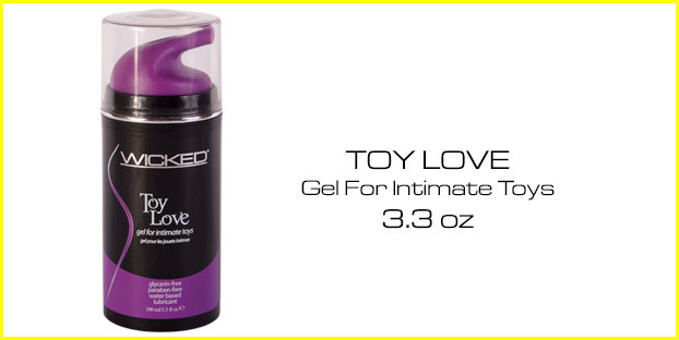 toy_love2__98802_zoom.jpg